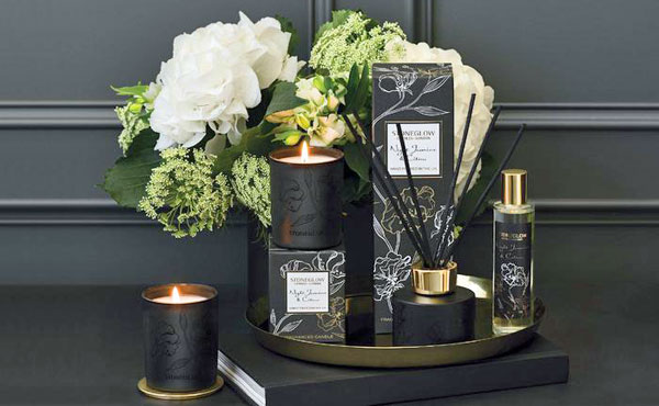 Night-Flowers-Candles-Lifestyle
